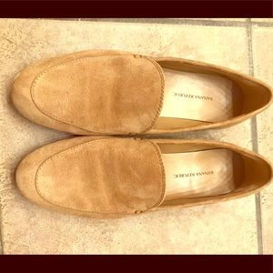 Banana republic suede loafer size6.5M, fits like 7